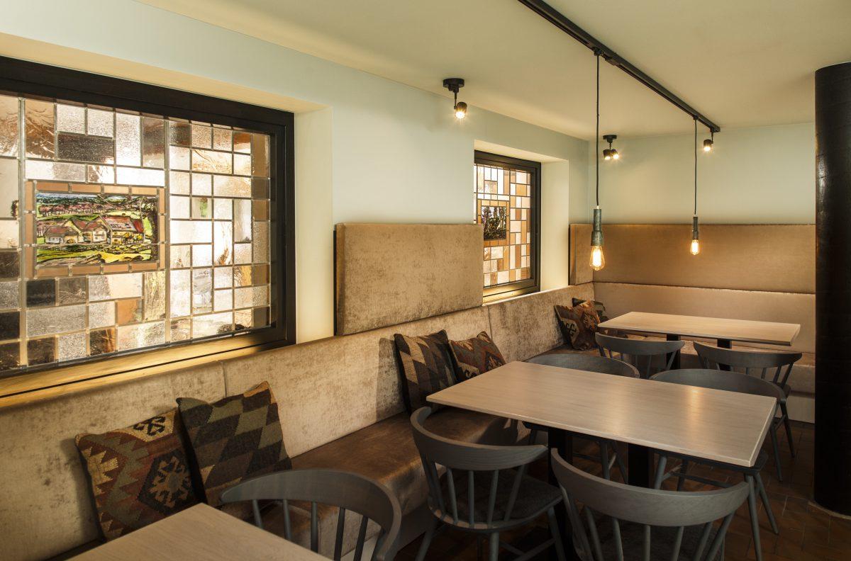 taufstein fr hst cksraum innenarchitektur raum inhalt d. Black Bedroom Furniture Sets. Home Design Ideas