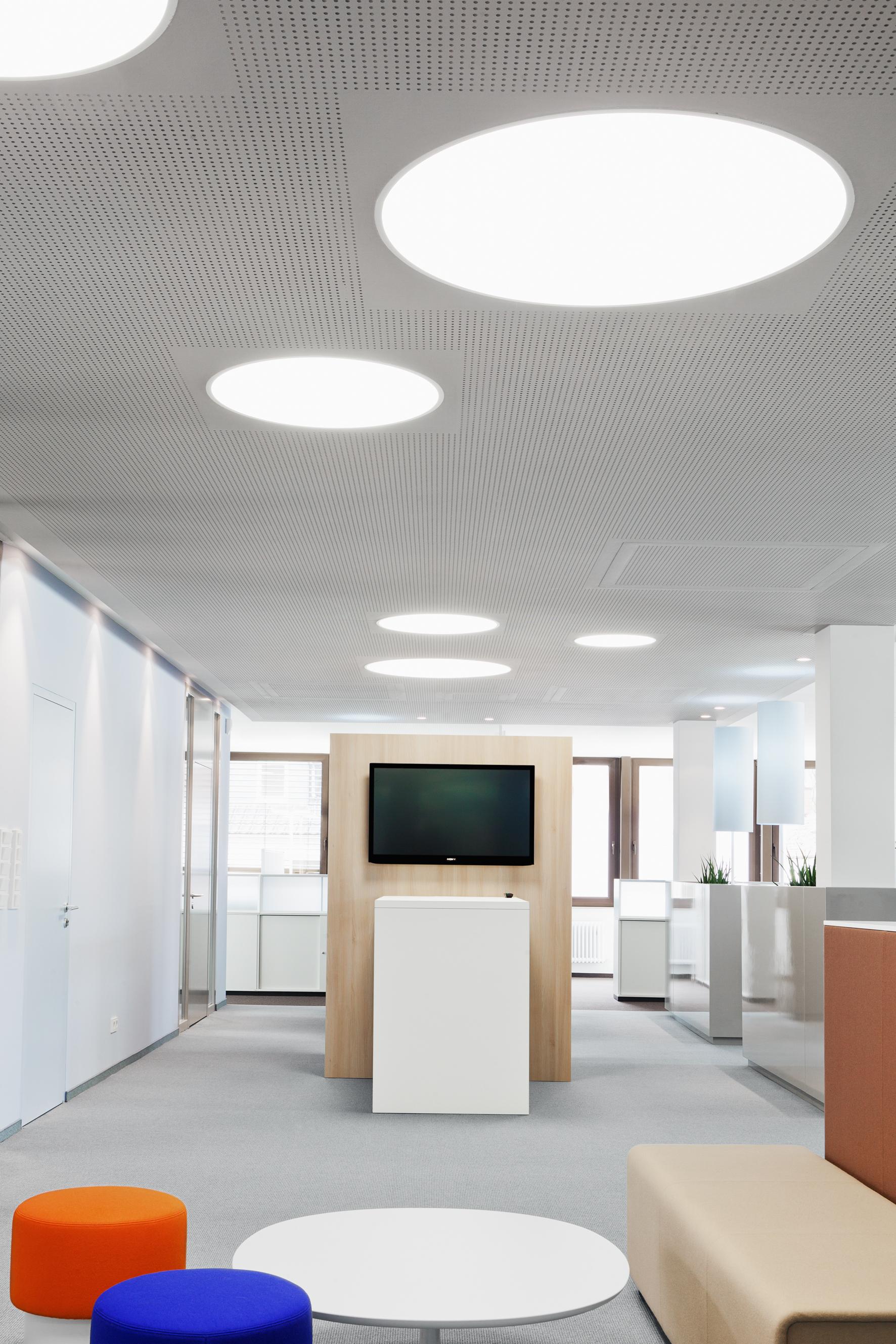 Raiffeisenbank Flieden Innenarchitektur – RAUM+INHALT D.Weber Dipl ...